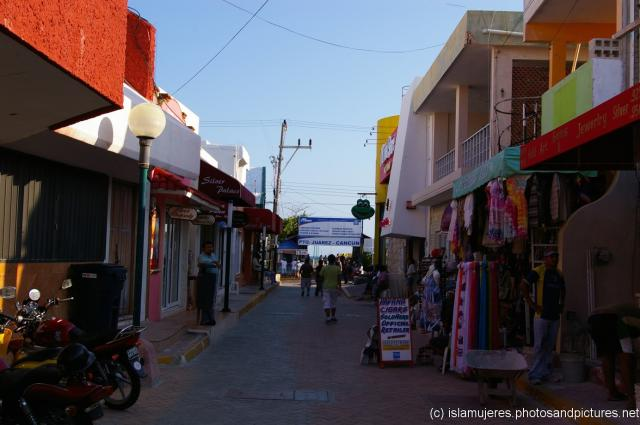 Looking towards Puerto Jurez ferry terminal on Isla Mujeres.jpg