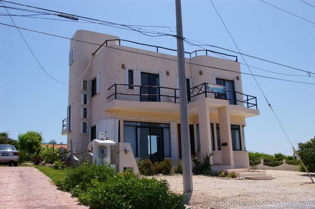 Nice Isla Mujeres Two Story House Near Punta Hi