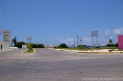 Signs that say Centro de Salud Hospital General and Hospital Naval at Isla Mujeres.jpg