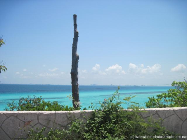 View of Cancun area in south central Isla Mujeres.jpg