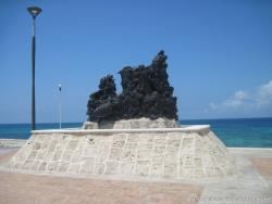 Black coral like sculpture on Isla Mujeres Eastern Portion.jpg