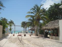 Sandy street on Playa Norte Isla Mujeres.jpg